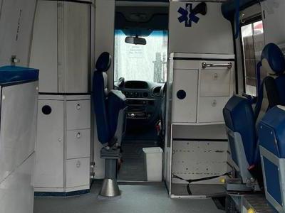 zabudowa-medyczna-samochodu-1