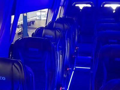 Bus 687