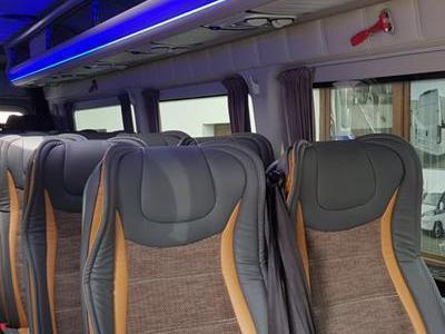 Bus 370