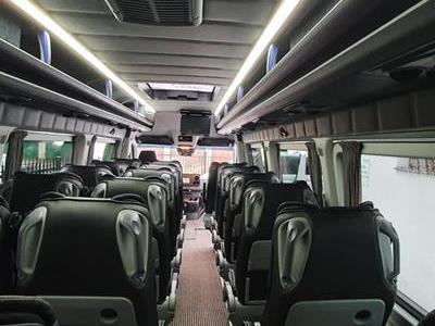 Bus 372