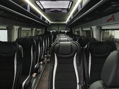 Bus 373