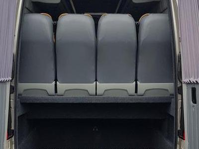 Bus 76
