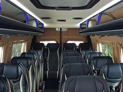 Bus 390